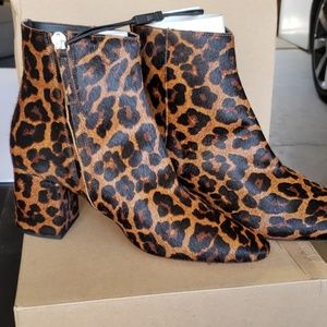 Crazy Cute Zara Leopard print heels!!!